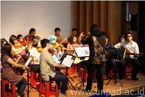 Orkestra Padjadjaran Gelar Pertunjukan Perdana