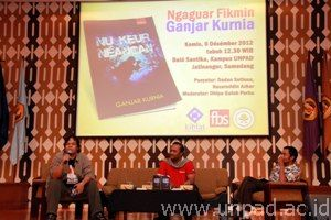 Rektor Unpad Luncurkan Buku Kumpulan Fiksi Mini Bahasa Sunda Nu
