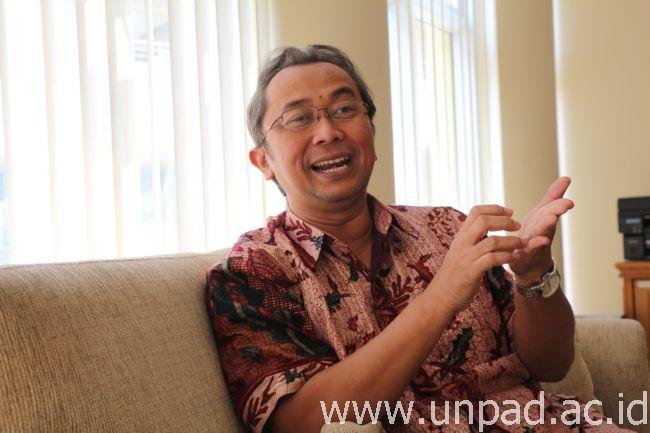 Wakil Rektor I Bidang Pembelajaran dan Kemahasiswaan Unpad, Prof. Dr. H. Engkus Kuswarno, M.S. (Foto oleh: Dadan T.)*