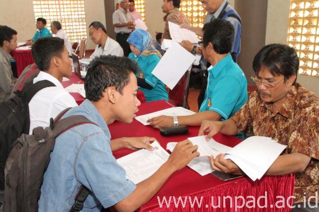 Hasil Verifikasi Administrasi Unpad Alihkan 12 Mahasiswa Bidikmisi