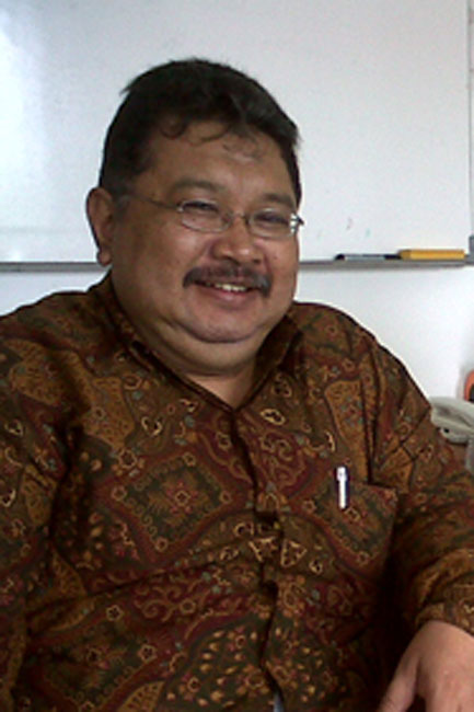 Dr. Ahmad Gimmy Prathama S., MSi *