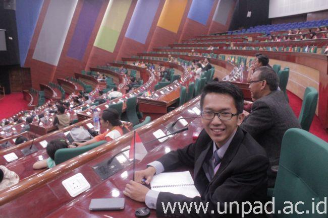Panji Aziz Pratama, mahasiswa Kesejahteraan Sosial Unpad, saat berada di Gedung City Convention Center di Imphal, India *