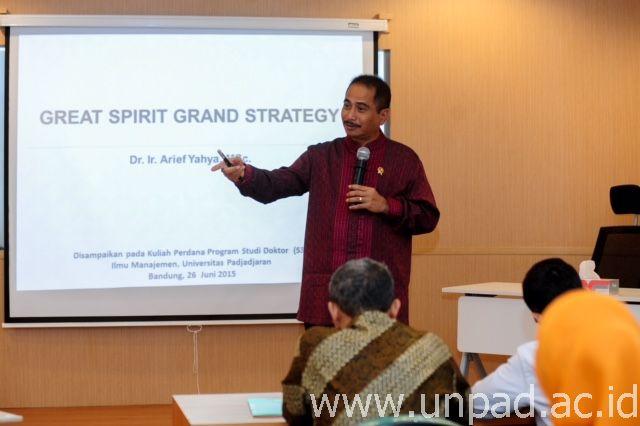 Kuliah Umum Doktor Mm Unpad Of Menteri Pariwisata Ri Dr Ir Arief Yahya Msc Yang Juga Ketua Ikatan