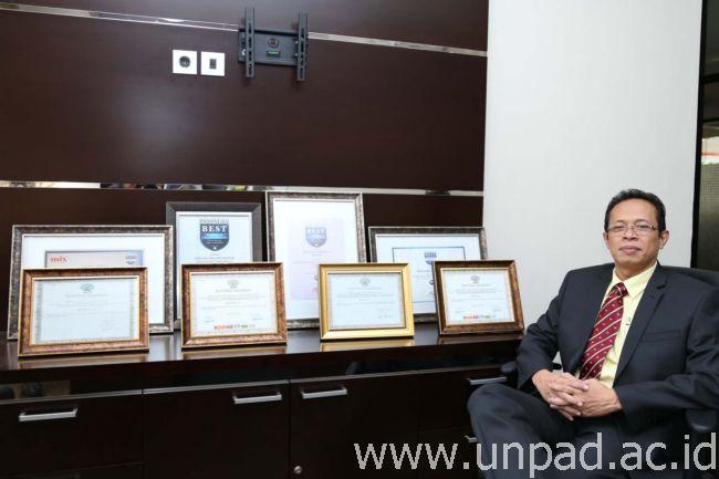 Dr. Atwar Bajari, Drs., M.Si (Foto oleh: dadan T.)*