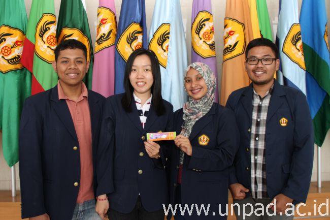 Tim Kacang Koro Pedang, kiri ke kanan: Lukman, Silvia, Hera, Bongsu (Foto oleh: Tedi Yusup)*