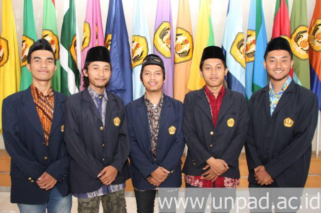 """Tim Penelitian """"Reaktualisasi Melayu (Foto oleh: Purnomo Sidik)*"""