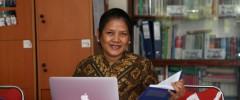 Dr. phil. N. Rinaju Purnomowulan, dosen prodi Sastra Jerman Fakultas Ilmu Budaya (FIB) Unpad.  (Foto oleh: Dadan T.)*