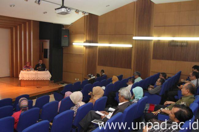 Kearsipan Tedi Sosialisasi Dan Implementasi Sejumlah Peraturan Rektor Unpad Tentang Di Bale Rumawat Jln