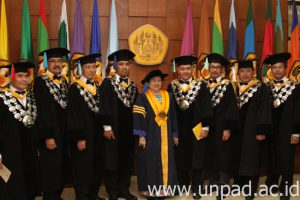Megawati DR.HC 6