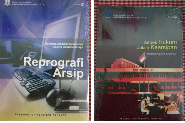 Dua buku karya Prof Nandang yang diterbitkan Universitas Terbuka dari 26 Buku yang telah dibuatnya hingga saat ini.