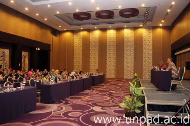 Suasana Workshop Manajemen Mutu Perguruan Tinggi Berbasis Sistem yang digelar Satuan Penjaminan Mutu Unpad di Hotel Aston Primera Bandung, Rabu (28/09). (Foto oleh: Tedi Yusup)*