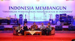 "Talkshow bertema ""Indonesia Membangun: Tantangan Pembangunan Infrastruktur di Indonesia"" di Grha Sanusi Hardjadinata Unpad, Jln. Dipati Ukur No. 35 Bandung, Rabu (26/10). (Foto oleh: Dadan T.)*"