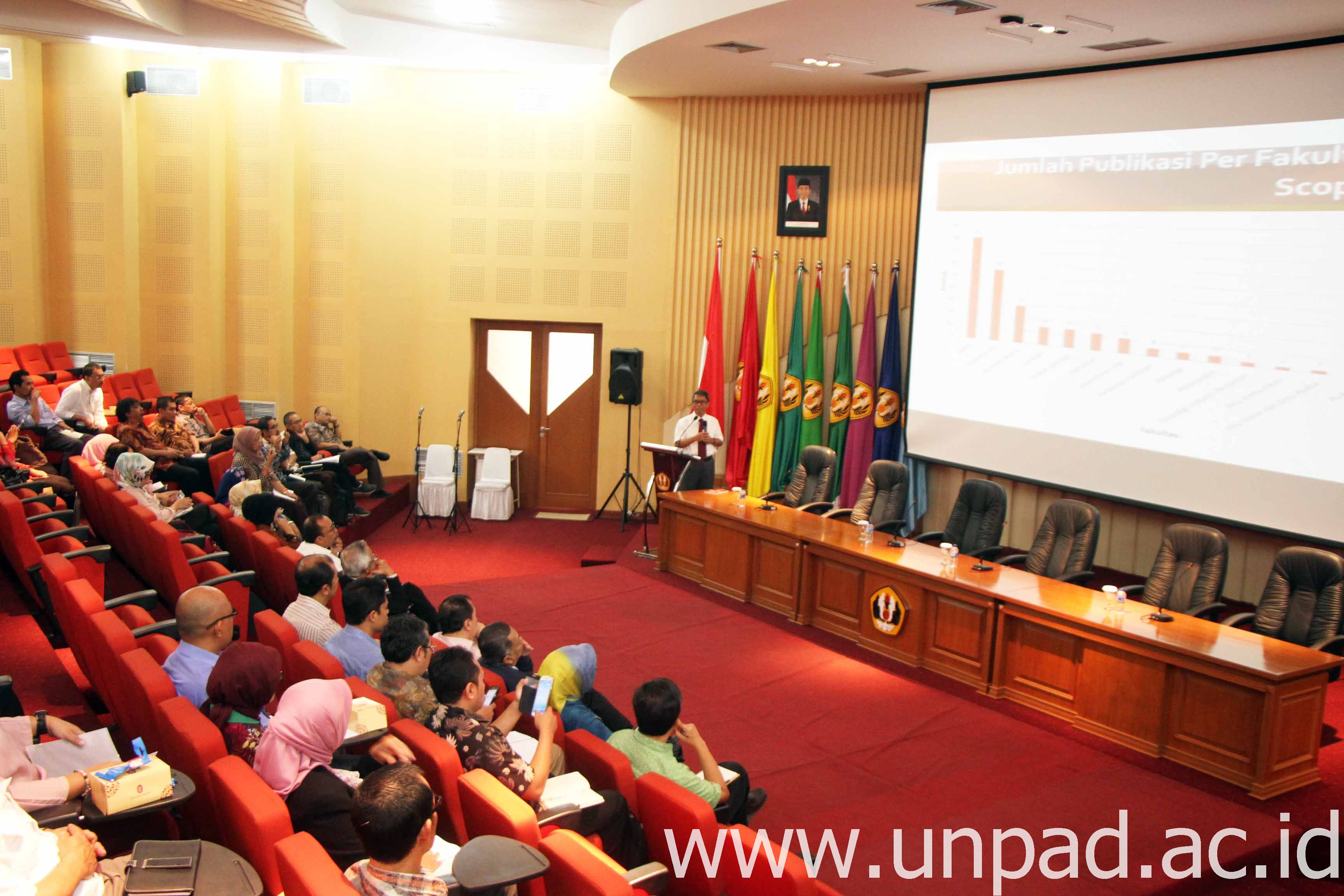 Suasana Sosialisasi Hibah Internal Unpad di Bale Sawala Gedung Rektorat Unpad Kampus Jatinangor, Rabu (28/12). (Foto: Tedi Yusup)*