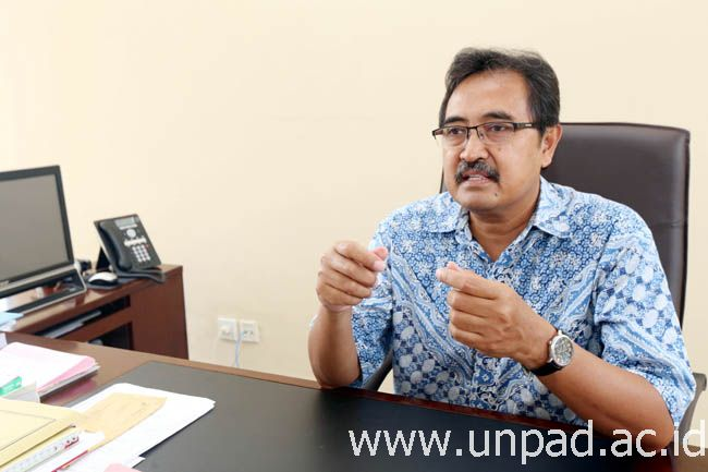Dekan FPIK Unpad, Dr. Ir. Iskandar, M.Si. (Foto: Tedi Yusup)*