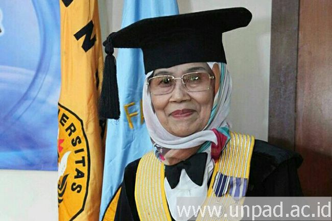 Fatimah Djajasudarma;